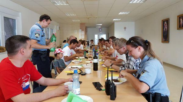 20160625 133620 Marijansko zavjetno hodočašće - Gospin ručak u Hosani
